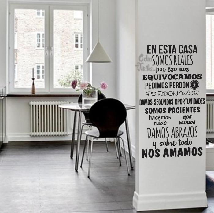 Vinilo decorativo pared frase en esta casa hogar for Vinilos decorativos casa