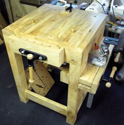 build a carving bench the woodworkers institute shop ideas pinterest tablis agencement. Black Bedroom Furniture Sets. Home Design Ideas