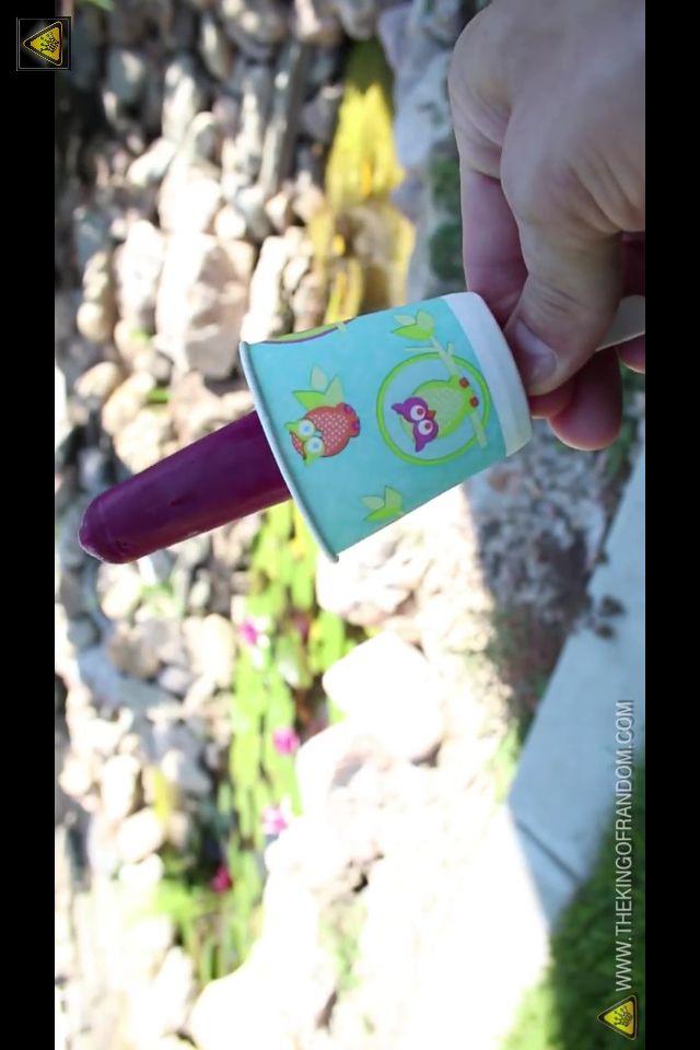 Sett på ett lite hull til pinnen og du slipper søl! http://youtu.be/CL78eVVW9_M