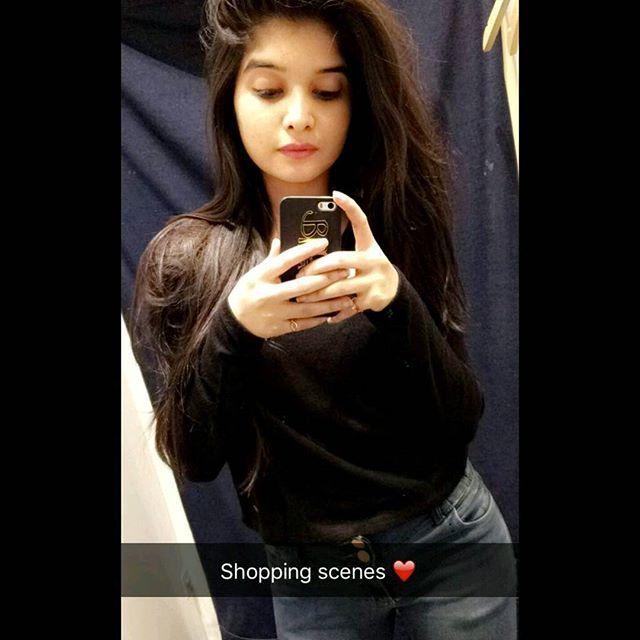 Have Indian teen girl mirror selfie topic
