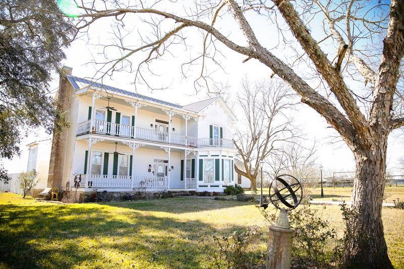 1883 Victorian Farmhouse in Brenham, Texas