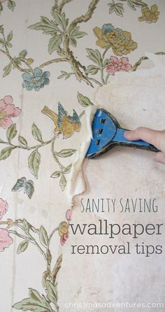 Tips for removing wallpaper from plaster walls (without