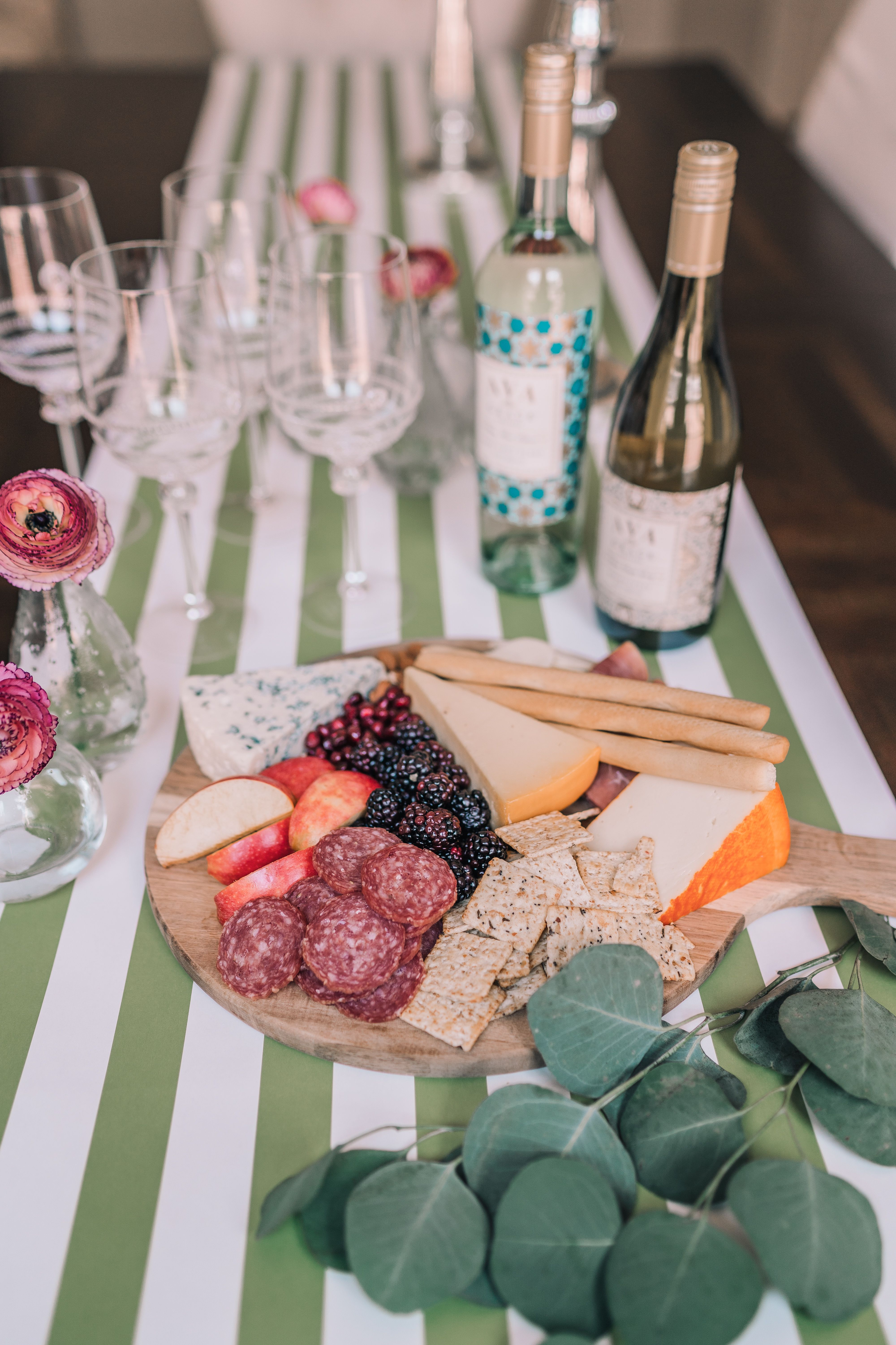 Best tips for entertaining at home | Adored By Alex | Entertaining, Wine  dinner, Holiday dinner