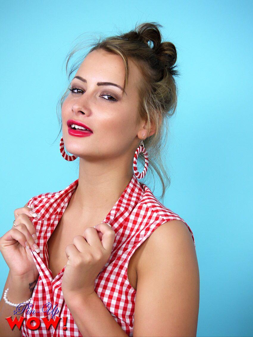 Kelli Smith Model
