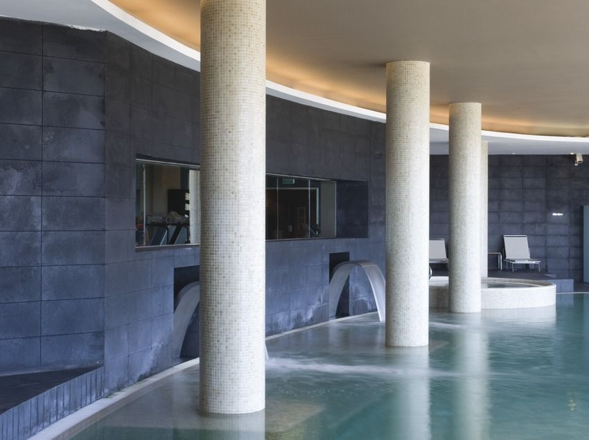 Dolce Sitges Hotel - Dolce Sitges is a large five-star hotel that focuses mainly on congresses and conventions, but which also offers hydrothermal and manual treatments in the spa Dolce Vital #BCNmoltmes #Hotels #Accommodation #spa #pool #wellness