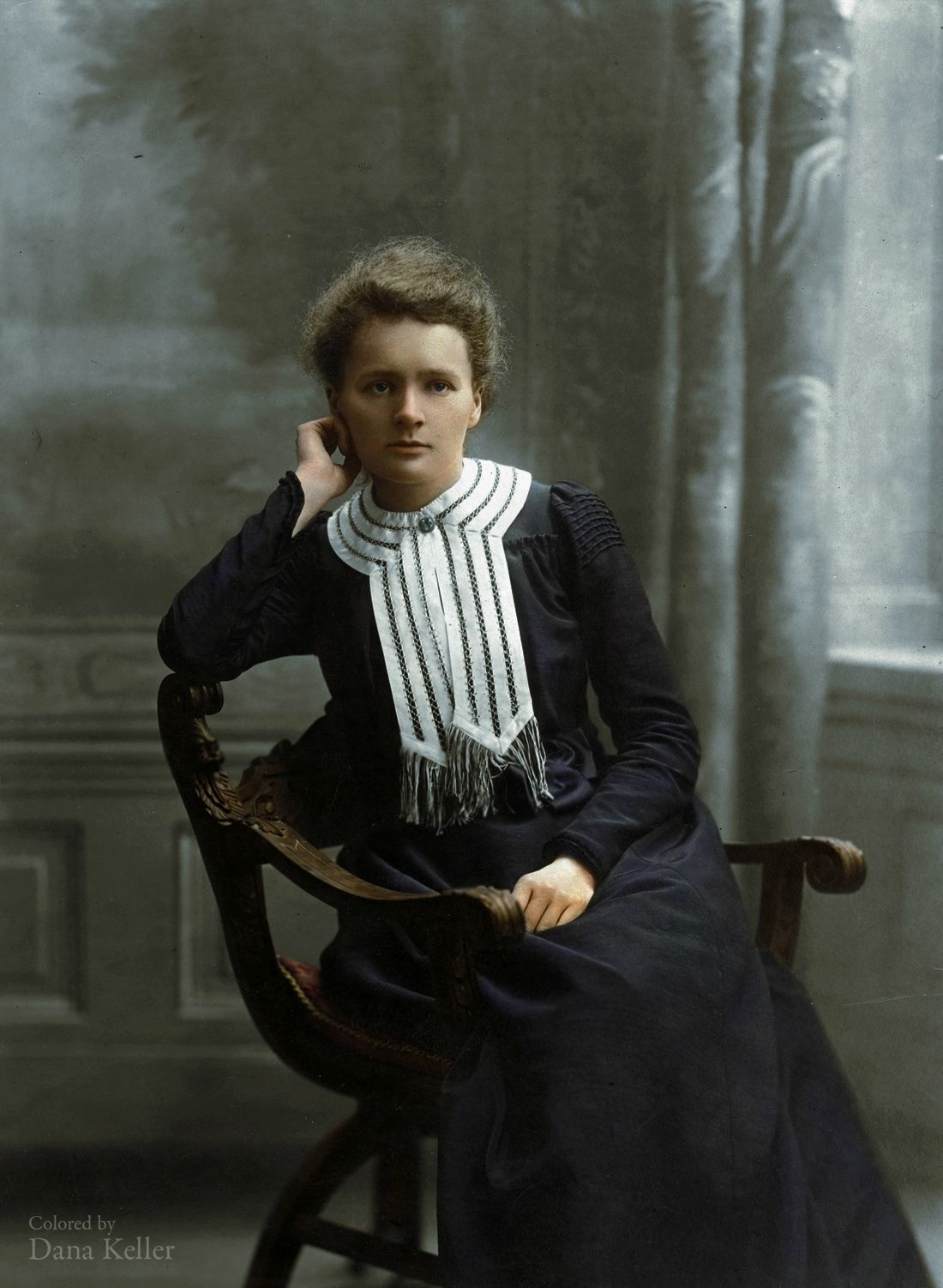 Fashion week Power: in Women Marie Curie for girls