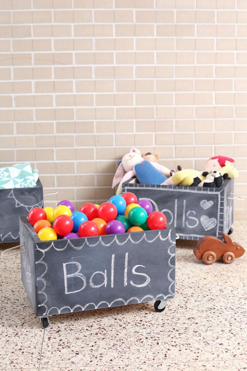 Kids wooden toy chest sunny safari - Diy Rolling Chalkboard Toy Box