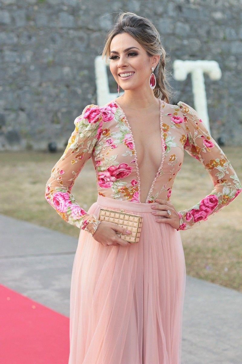 Look do dia: vestido floral para casamento de dia | Gowns, Vestidos ...