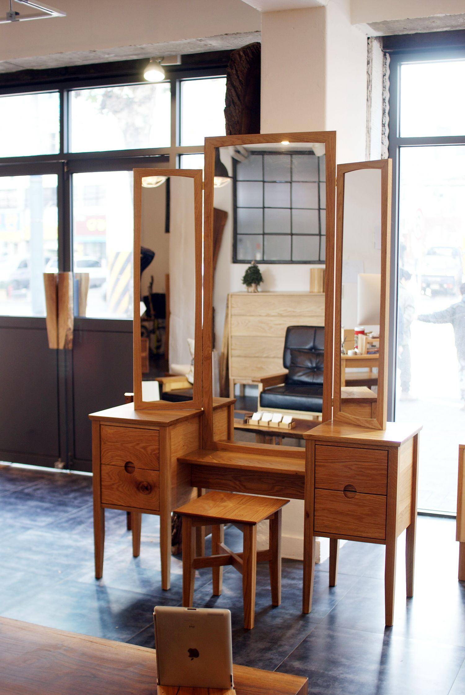 손으로 만드는 나무 가구 어반웍스 Urban Works 수제 원목가구 쇼핑몰 테이블 책상 의자