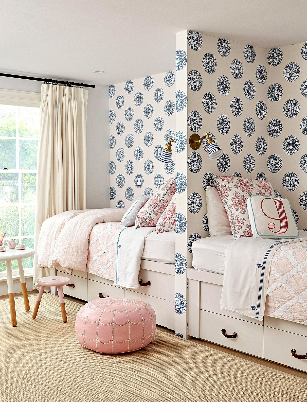 These Shared Bedroom Ideas For Small Rooms Double Up On Storage And Style Shared Girls Bedroom Shared Girls Room Shared Bedroom