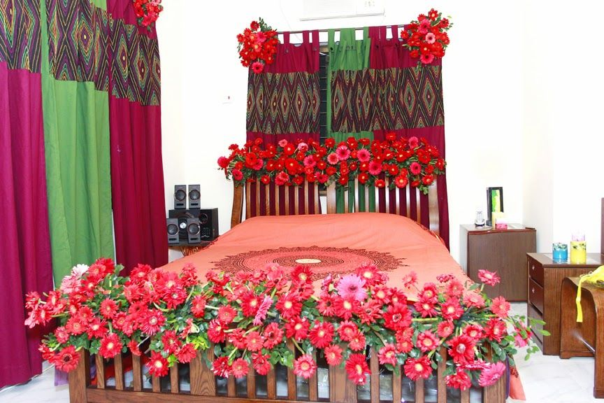 Pin by my wedding journey on wedding bed decoration for Bed decoration with flowers and balloons