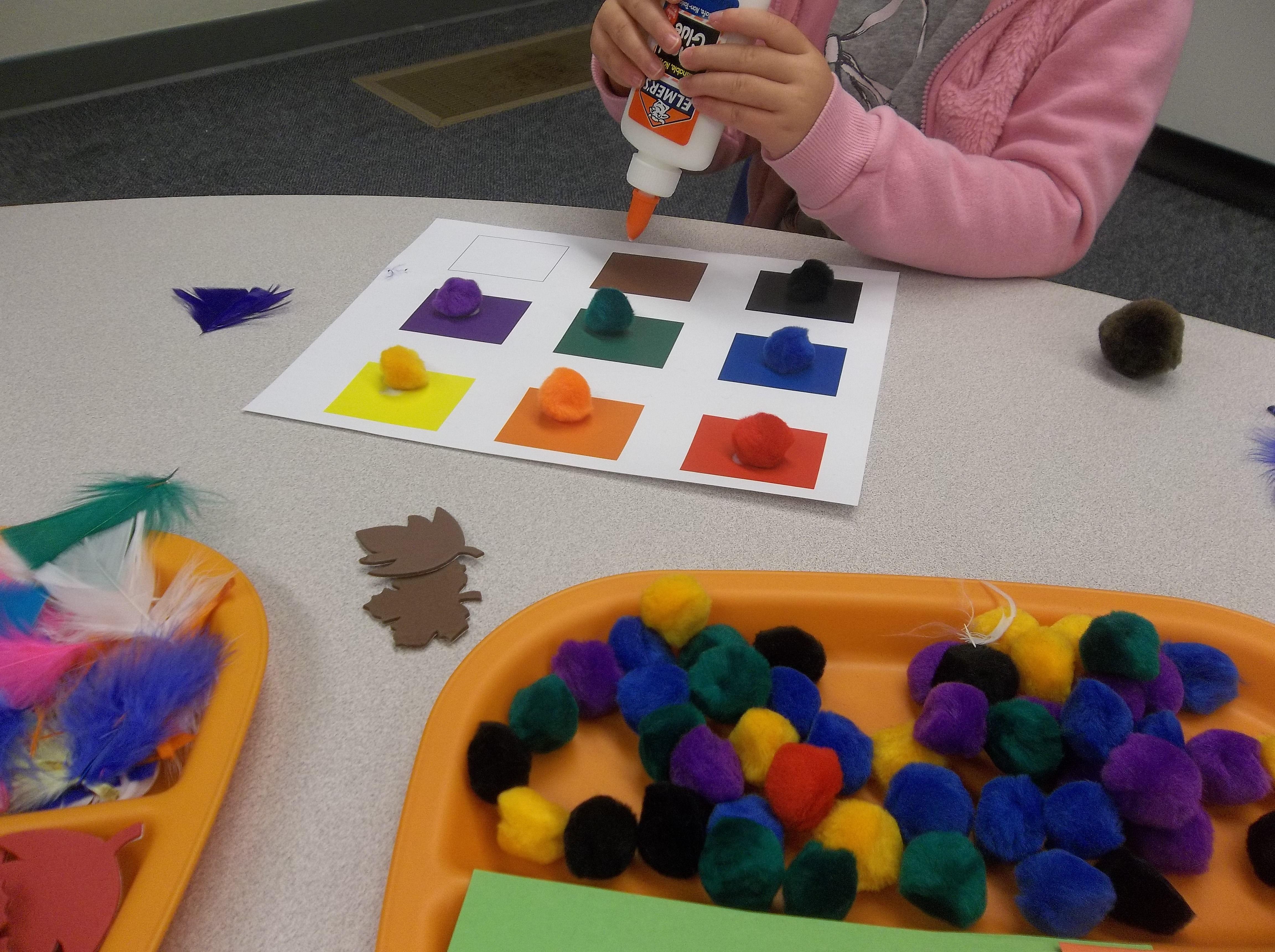 The 25+ best Preschool color crafts ideas on Pinterest ...