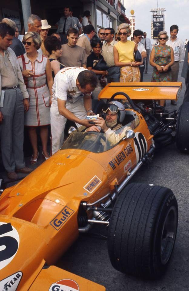 frenchcurious:  Bruce McLaren, (McLaren-Ford) Grand Prix d'Allemagne - Nürburgring 1969 - Grand Prix Fascination Formula 1.