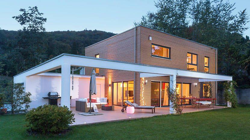 Fertighaus in der Schweiz von SchwörerHaus | Modern house ...