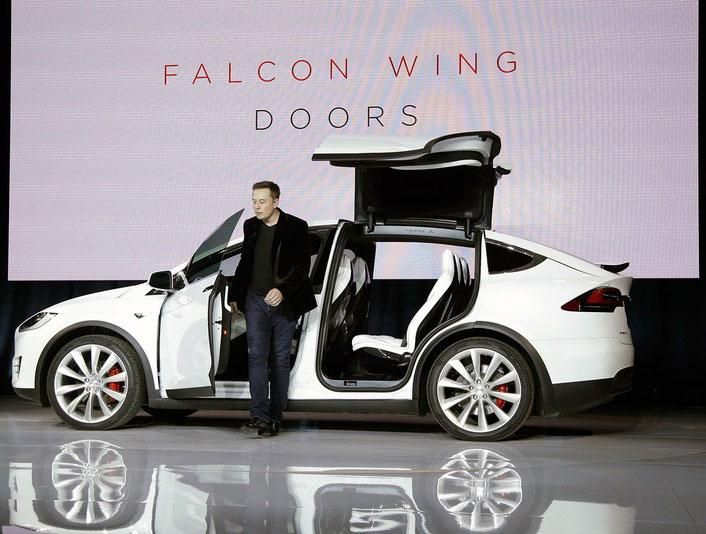 The Tesla Model X S Falcon Wing Doors Open Even In The Tightest Spots Tesla Model X Tesla Model Tesla