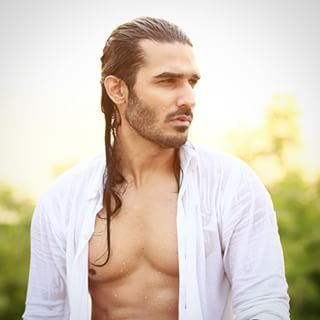 21 Drool Worthy Men Who Prove Long Hair Is The Best Hair Long Hair Styles Men Long Hair Styles Cool Hairstyles