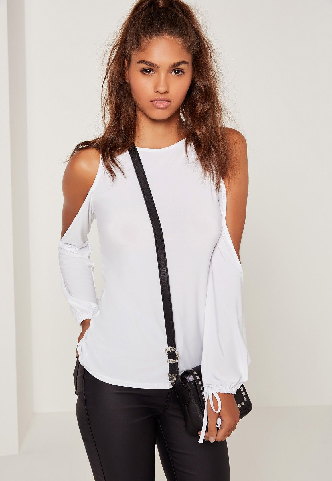 858a9bccb2efc Missguided - Cold Shoulder Tie Cuff Tunic White