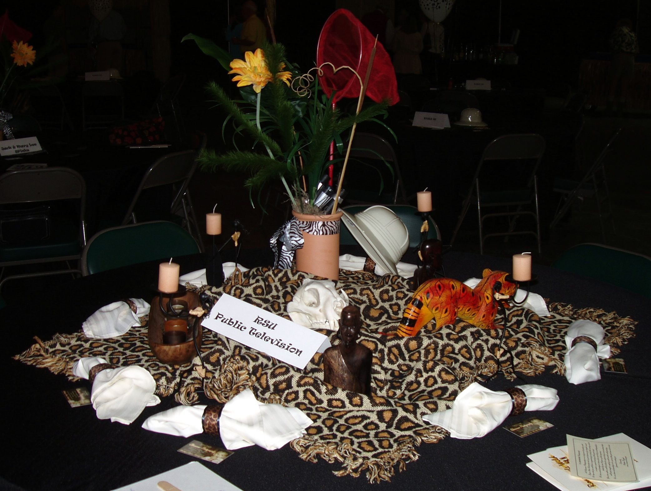 Adult birthday table decorations - Adult Jungle Party Ideas Leopard Cheetah Print Table Centerpiece Decorations