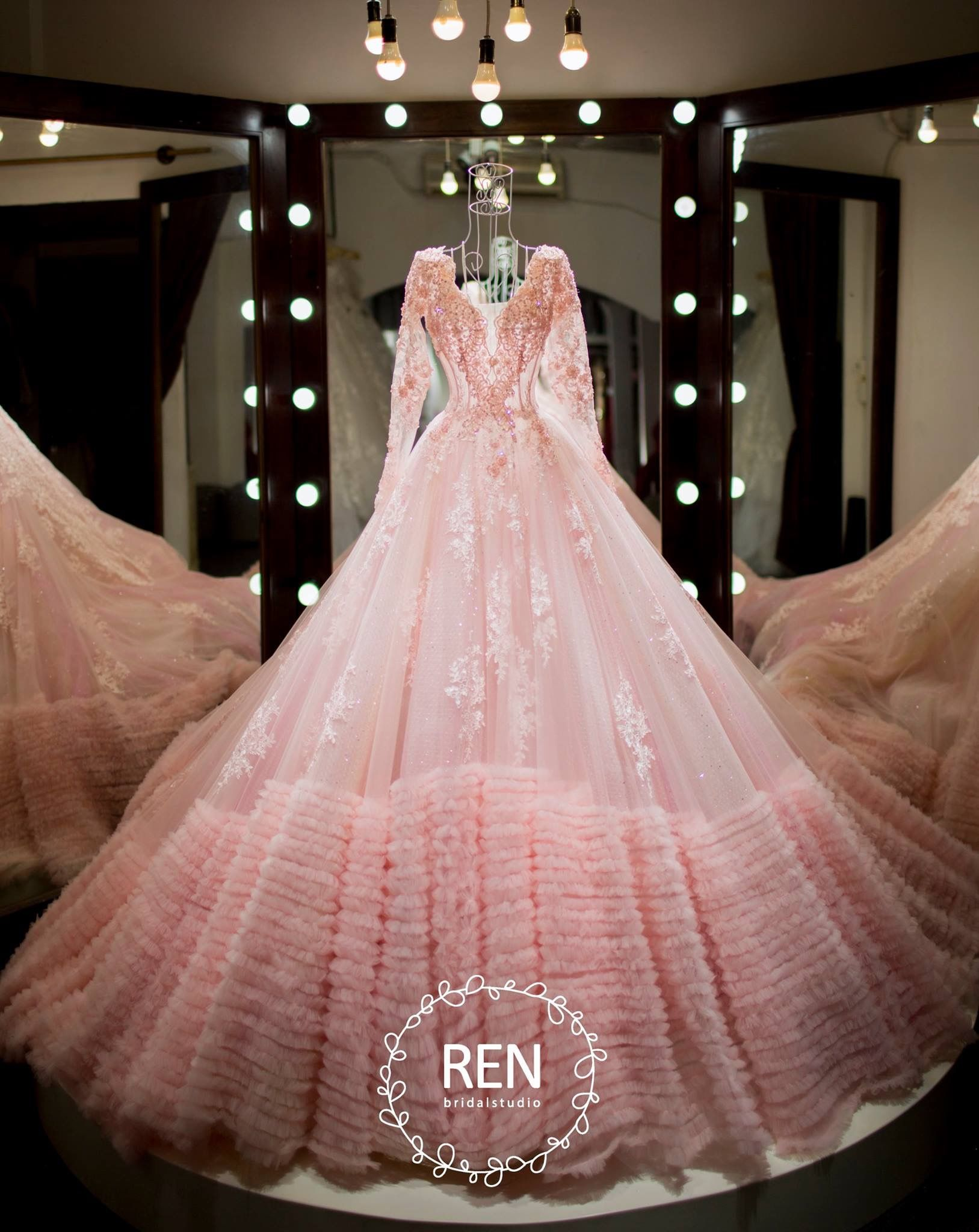 Pin de suzanna en robes | Pinterest | Vestido de baile, Princesas y ...