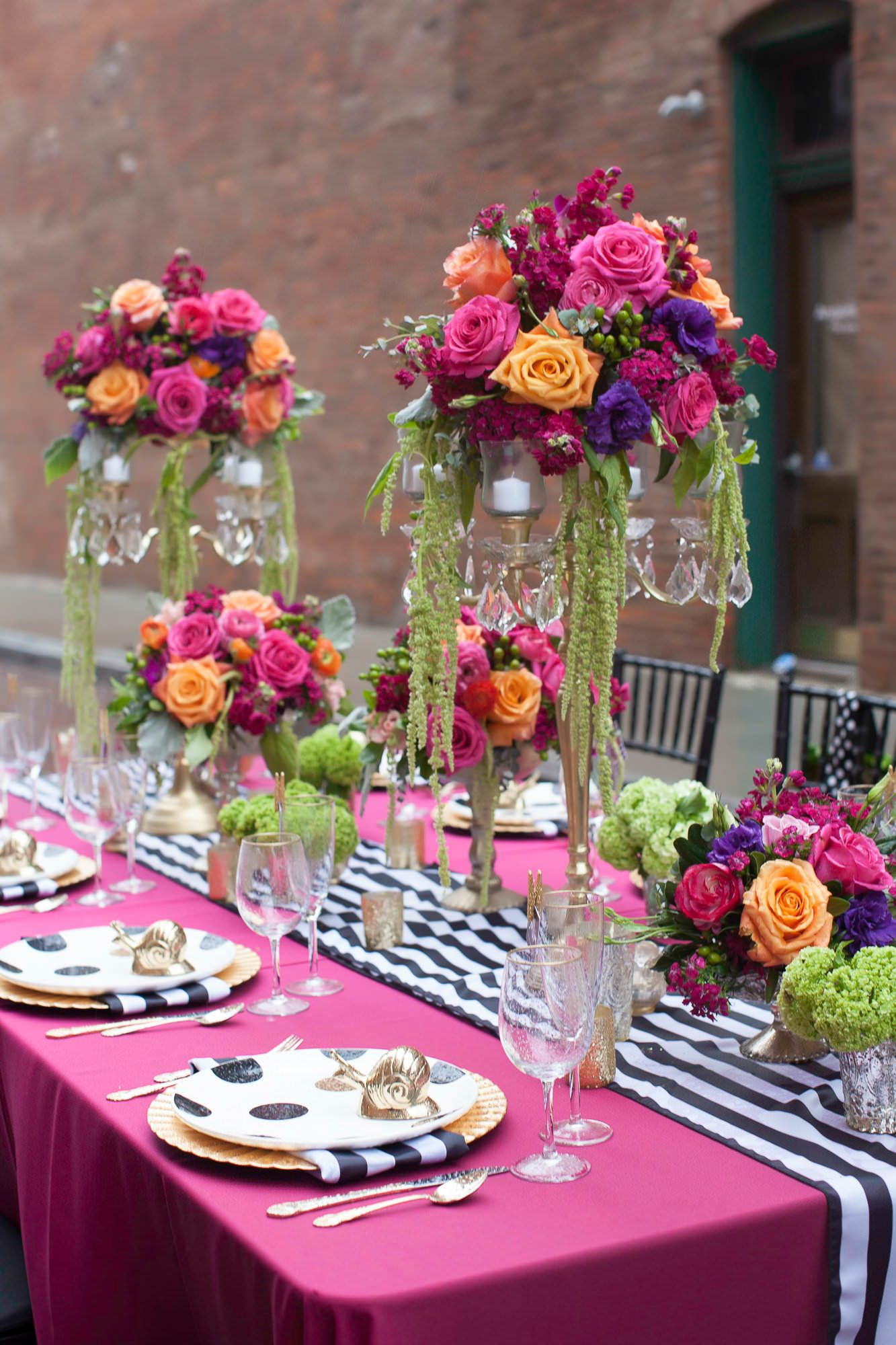 Kate Spade Inspired Wedding Tablescape With Polka Dots Stripes Image By Molly Connor