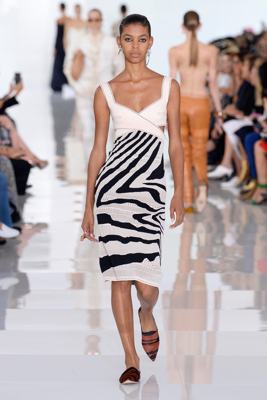 6b915a5c9a Roberto Cavalli Spring 2018 Ready-to-Wear Collection Photos - Vogue Spring  Fashion 2017