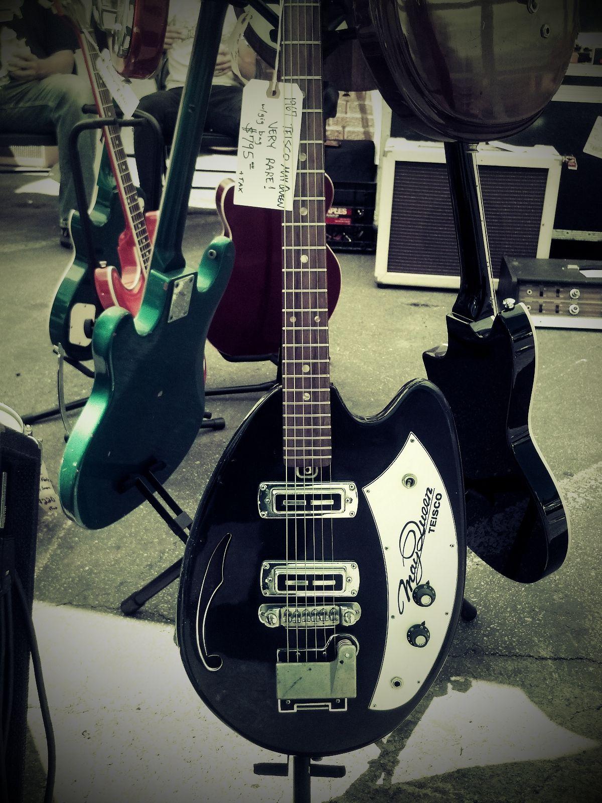 cool body shape 1969 tiesco guitar vintage gear in 2019 guitar beatles guitar guitar. Black Bedroom Furniture Sets. Home Design Ideas