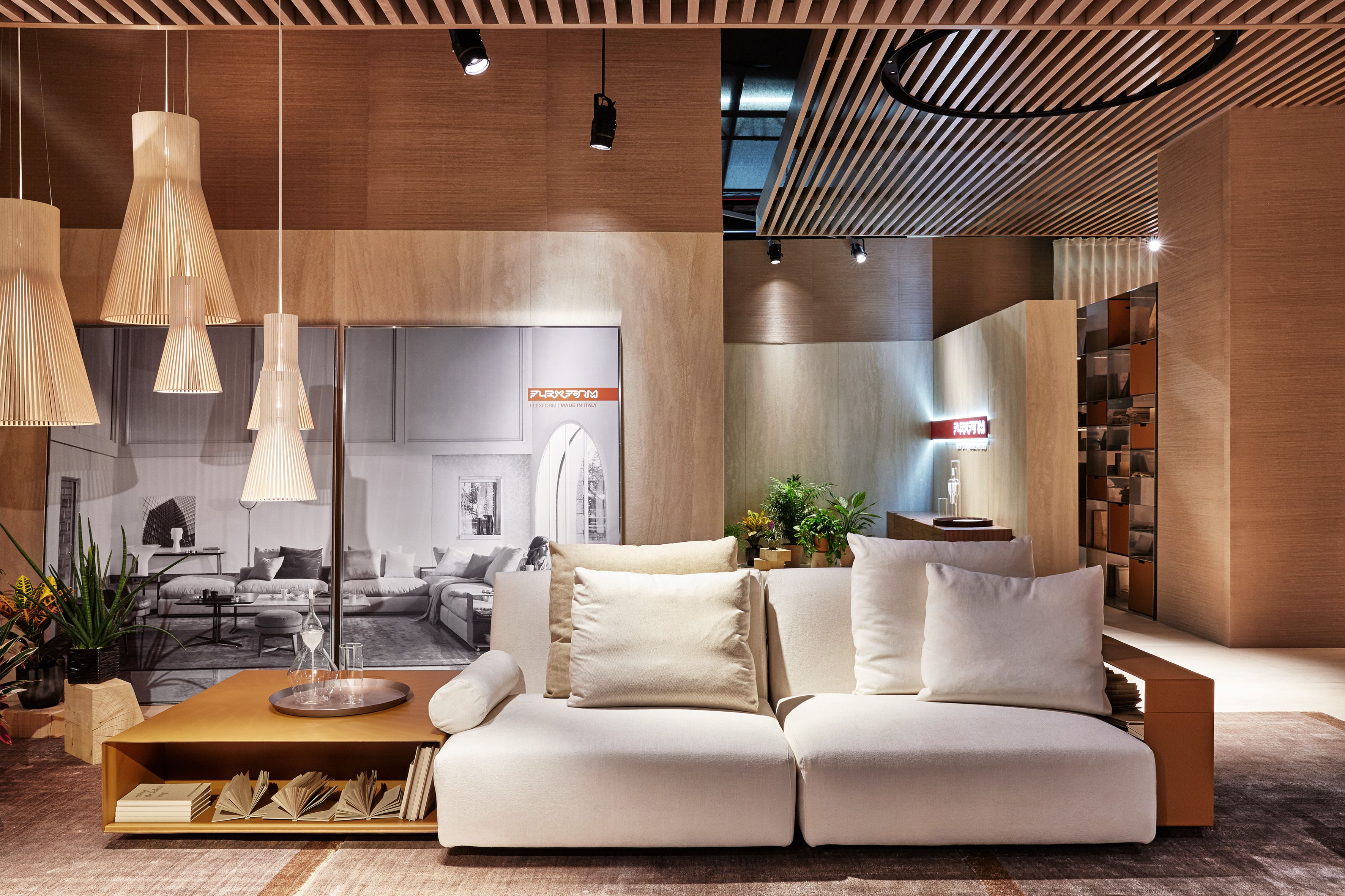Flexform New Lario Sofa Design Antonio Citterio Flexform Sofa Design Showroom Design