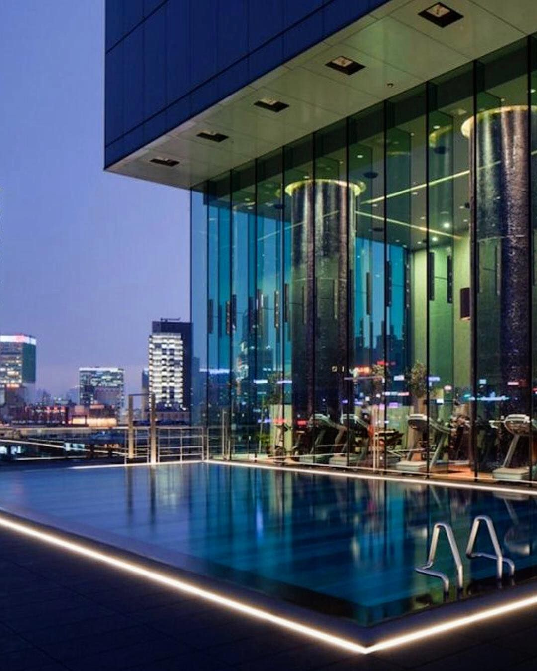 Realize your HongKong hotelgoals in the heart of the