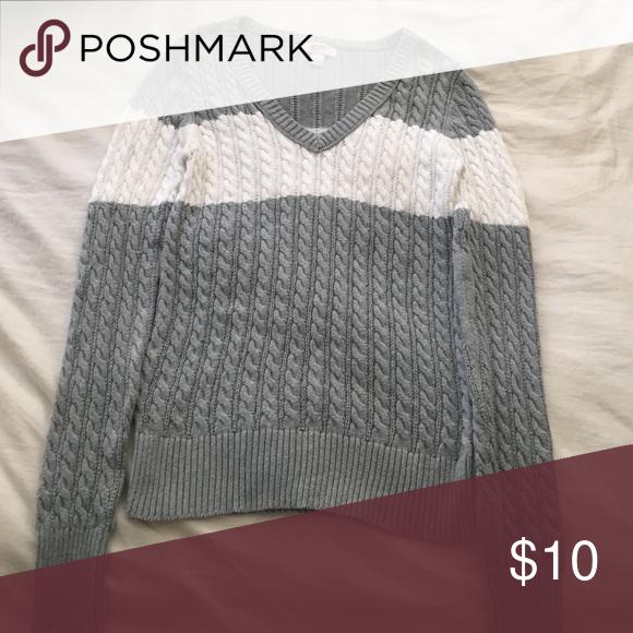 Sweater Hardly worn Arizona Jean Company Sweaters V-Necks