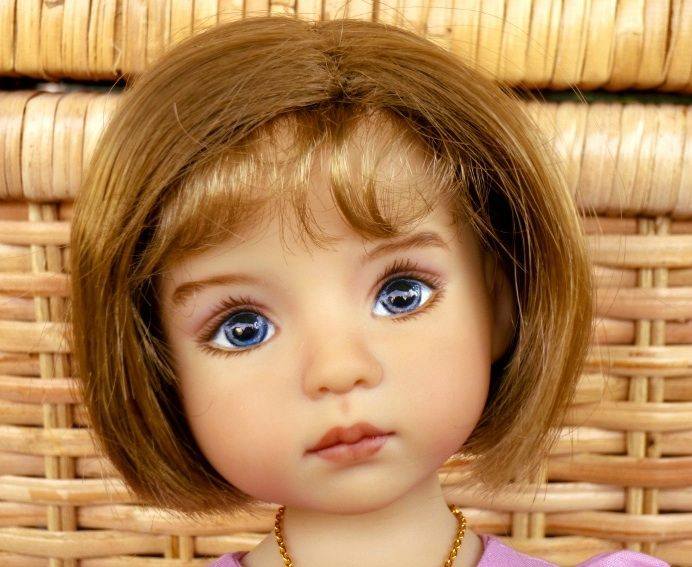 NINON, painted by Joyce Mathews Visit : www.dollfamily.canalblog.com