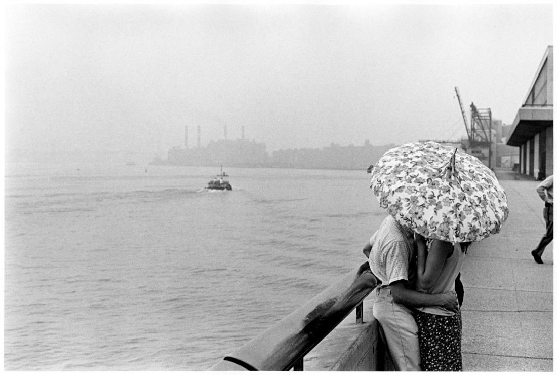 A photographers view of 1960s nyc shows a city full of emotion 1968 east river image james jowers george eastman house