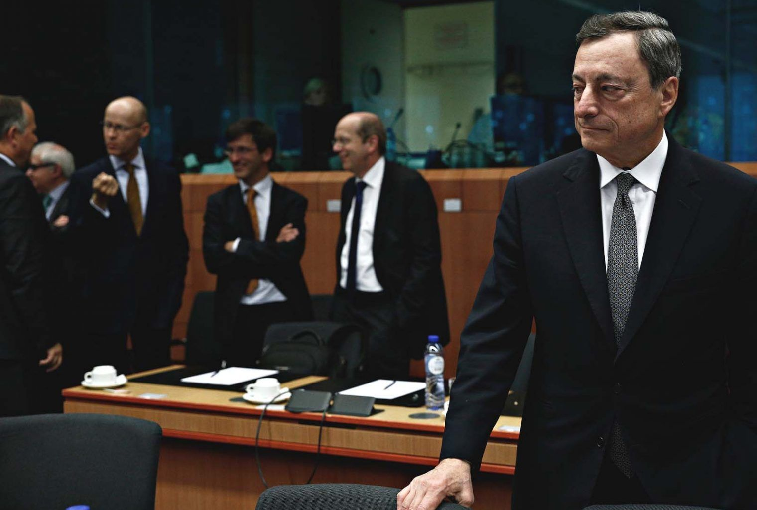 Mario Draghi Leaves European Central Bank Without Ever Raising Interest Rates Read Here Http Bit Ly 31jwed1 Anno Mario Draghi Central Bank Interest Rates
