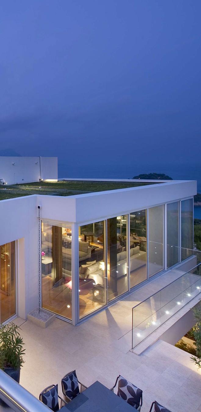Villa on the Cap Ferrat, Côte d\'Azur | MODERN HOMES | Pinterest ...