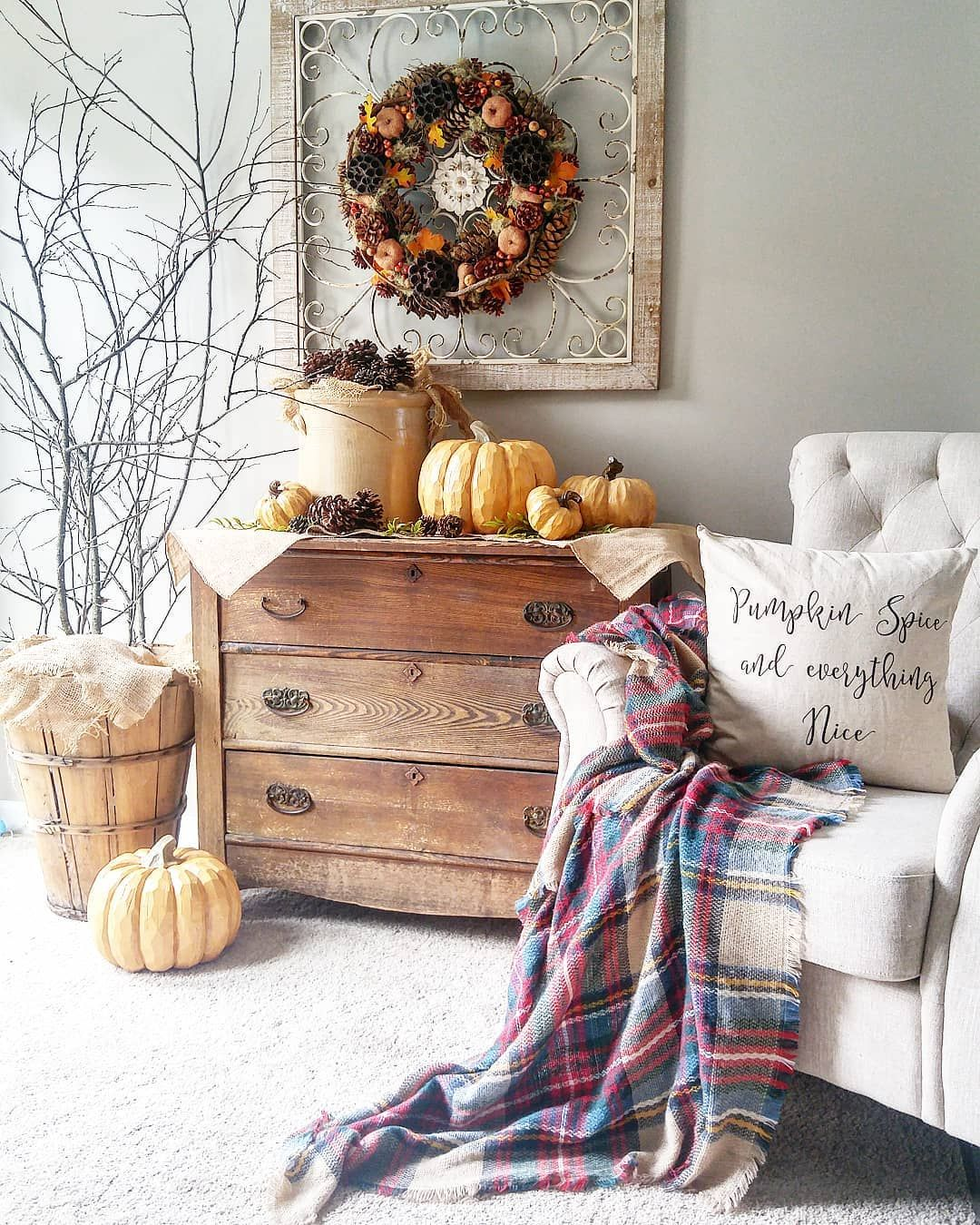 """Photo of Lesley on Instagram: """"Gimme pumpkin spice everything! Love the colors of autumn, the pumpkins, the soups, the sweaters, the blankets cozy, the leaves…I could…"""""""