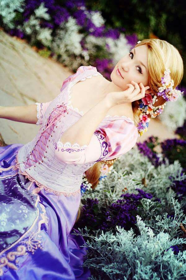 Cosplayer: Aigue-Marine Cosplay Photographer: acorea Character: Rapunzel From: Tangled Country: Germany