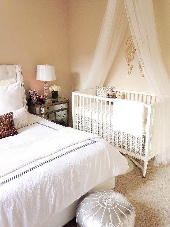 Crear un espacio para el beb en tu habitaci n for Cuna para habitacion pequena
