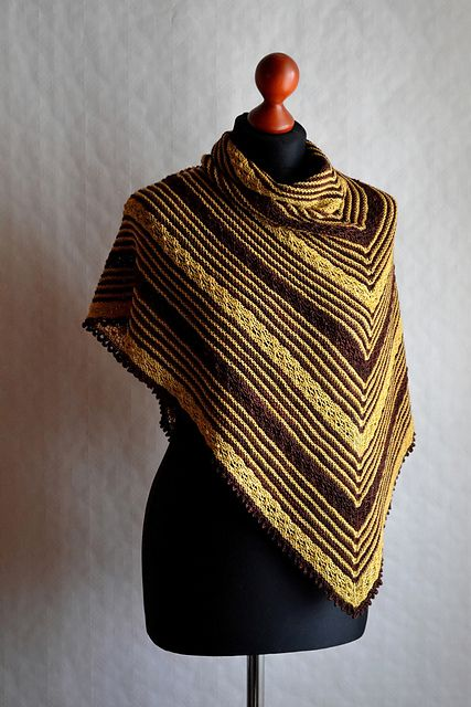 Ravelry: Anouman pattern by Lauren Fréhel