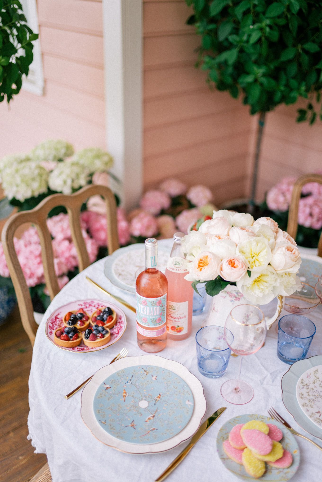 Gal Meets Glam Easter Brunch On The Porch   Party Ideas ...