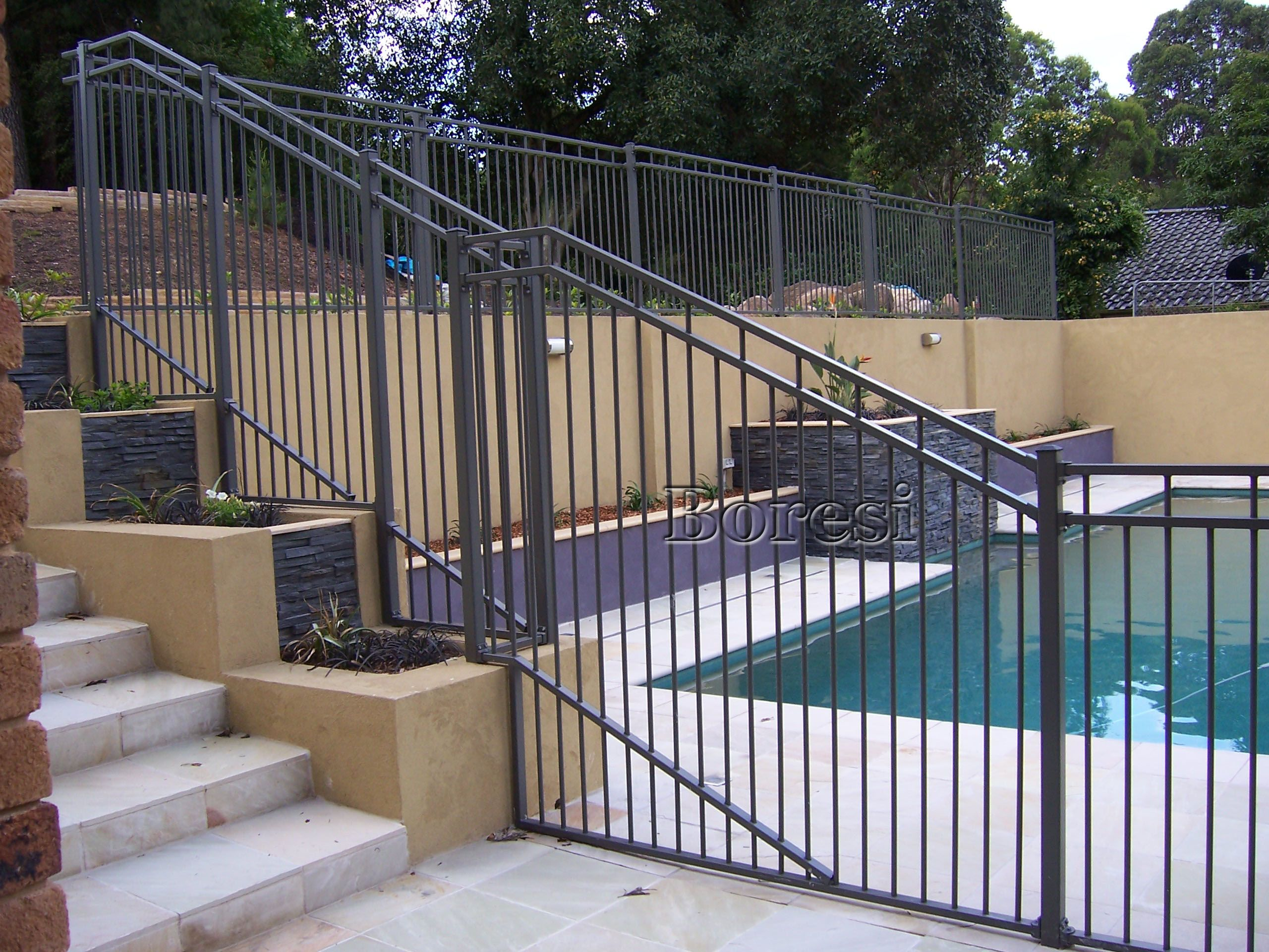 Pool fencing ideas pictures - 18 Stylish And Safety Pool Fence Ideas For Your Homes