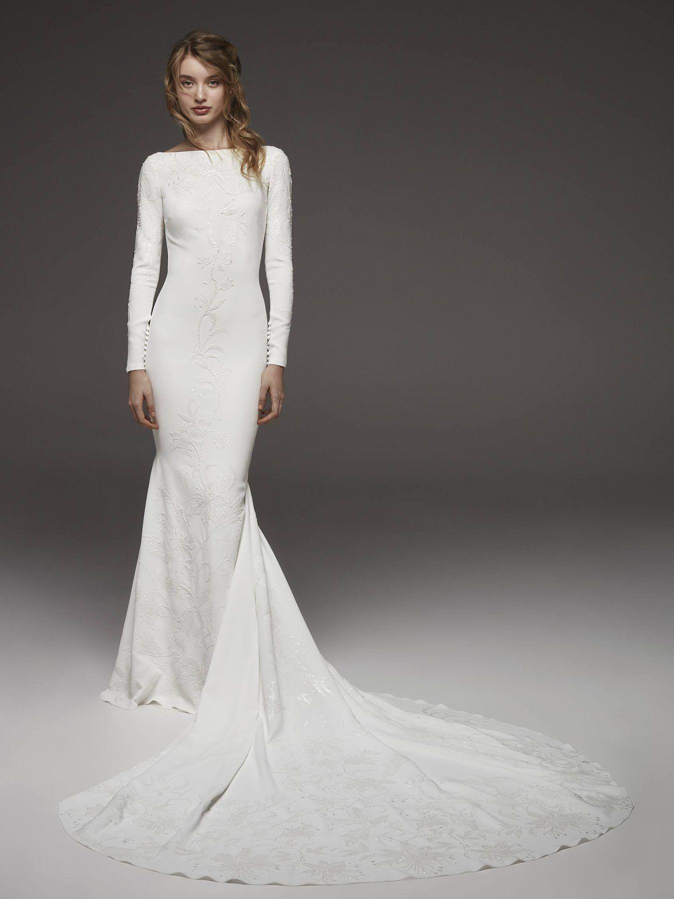 Bateau Neckline Long Sleeve Simply Elegant Wedding Dress By Pronovias Im Pronovias Wedding Dress Modest Long Sleeve Wedding Dresses Wedding Dresses Kleinfeld [ 1800 x 1350 Pixel ]