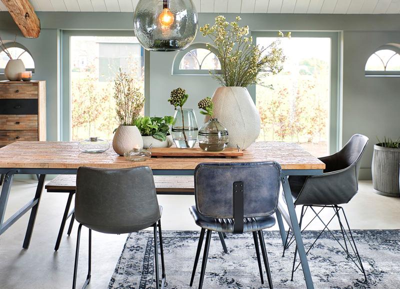 Inspiratie stoere eetkamer met grijsgroene muren casa