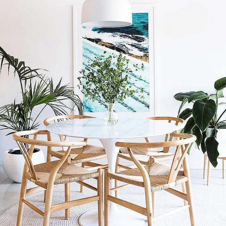 Natural and warm but full of light. A space to gather with family and friends with good food and laughter.  A place to find inspiration within the nature inspired materials. . . . . . . #diningroom #inspiration #interiordesign #interiordesigner #plants #ocean #photooftheday #rattan #natural #beauty #gorgeous #homedecor #homestyle #eat #family #friends #spatialdesign #interiores #interior