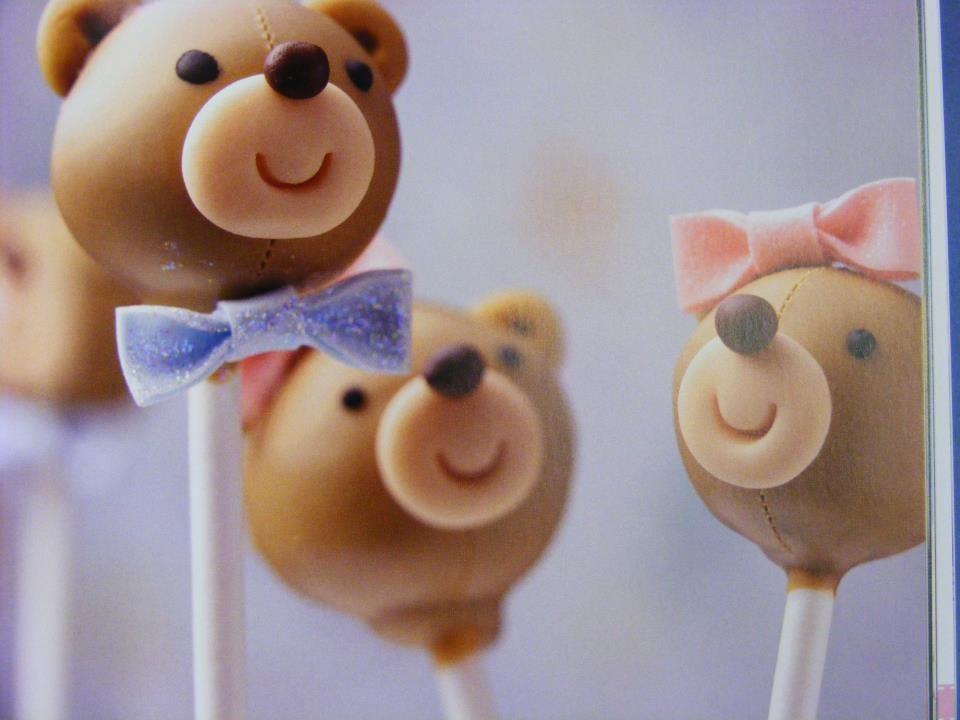 Gorgeous homemade teddy bear cake pops add the finishing ...
