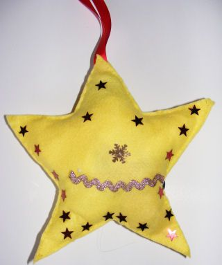 Maybe you could find felt too Christmas Crafts for Kids