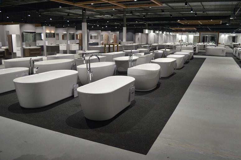 Badkamer inspiratie showroom, tegelshowroom, sanitair, vrijstaande ...