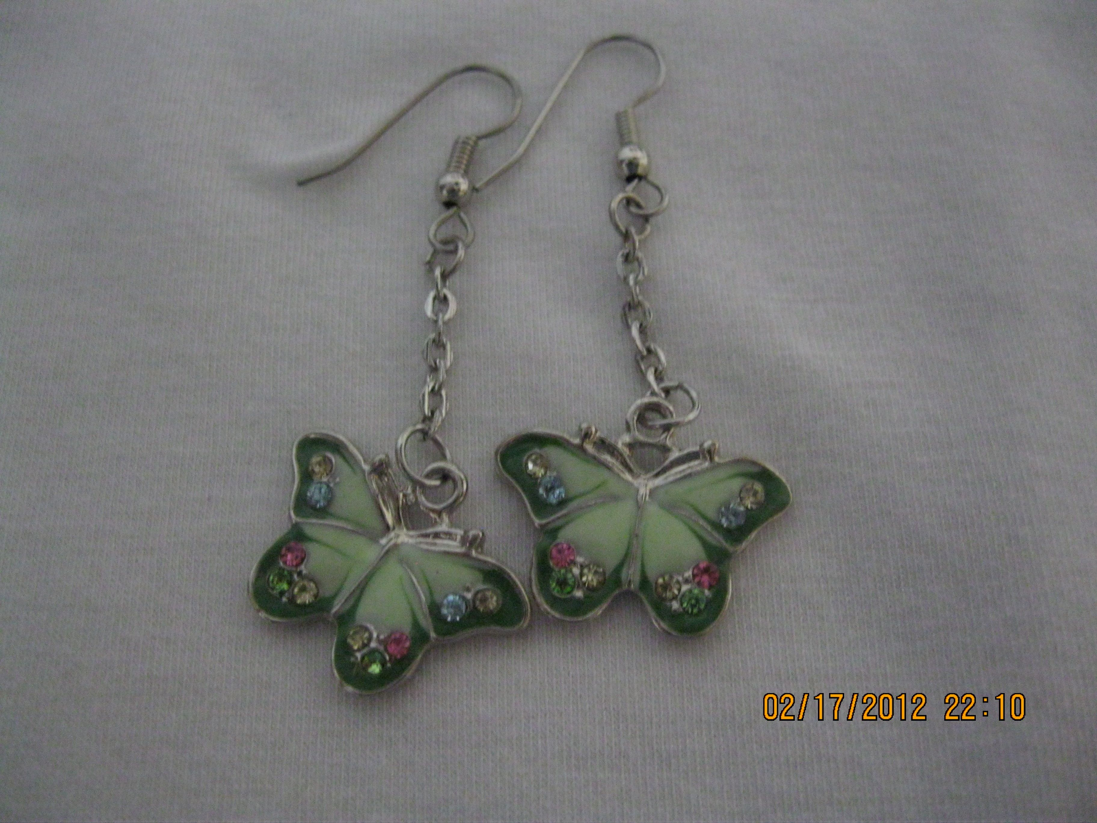 I like butterflies, too. I must like green since I seem to make a lot with it.