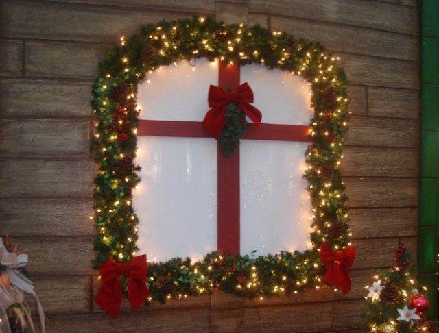Decora tus ventanas en navidad lencer a del hogar for Decoraciones navidenas 2016 para puertas