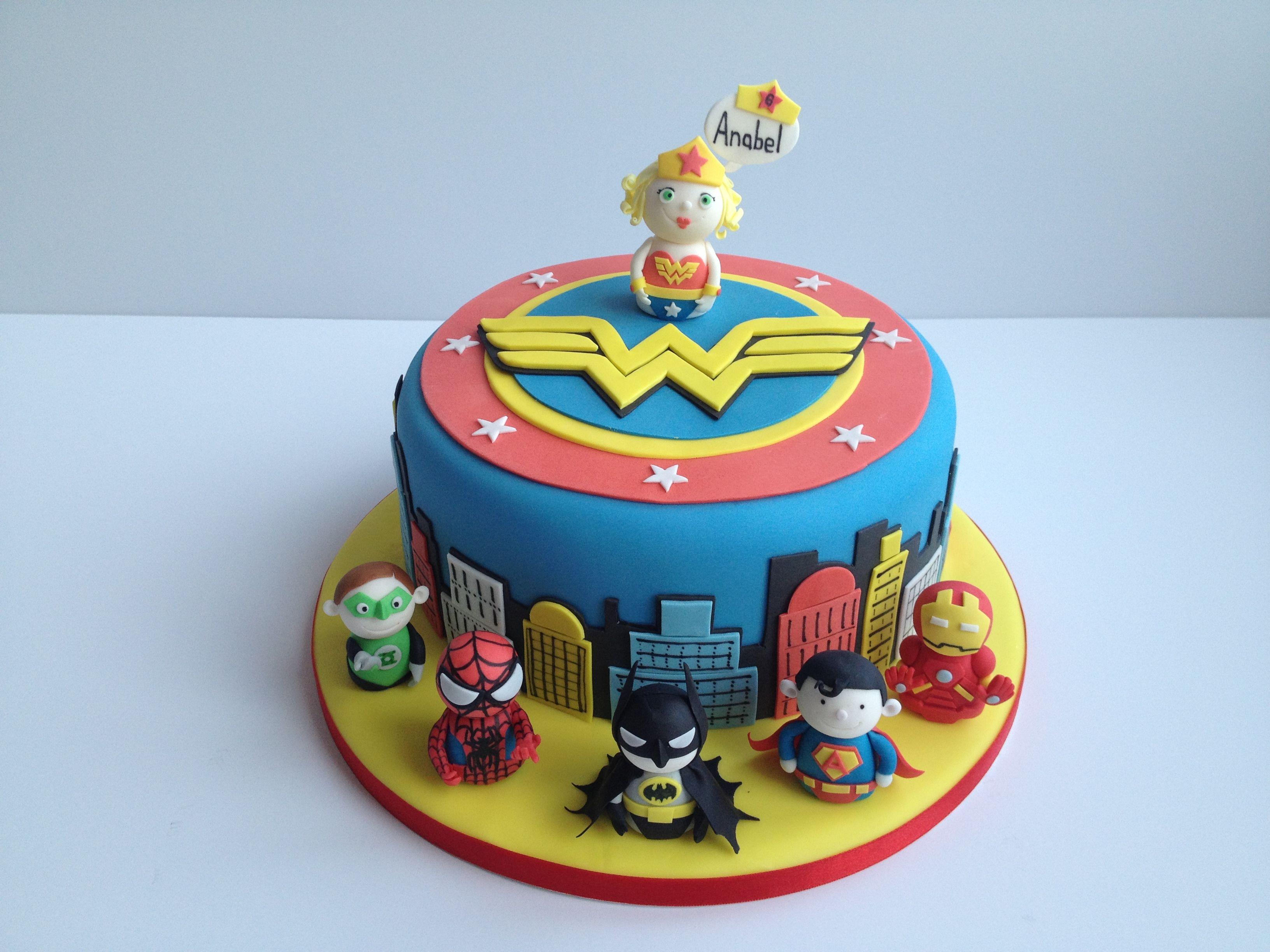 1000 ideas about superman cakes on pinterest batman cakes - Super Hero Cake Wonder Woman Cake Spiderman Cake Iron Man Cake Batman Cake