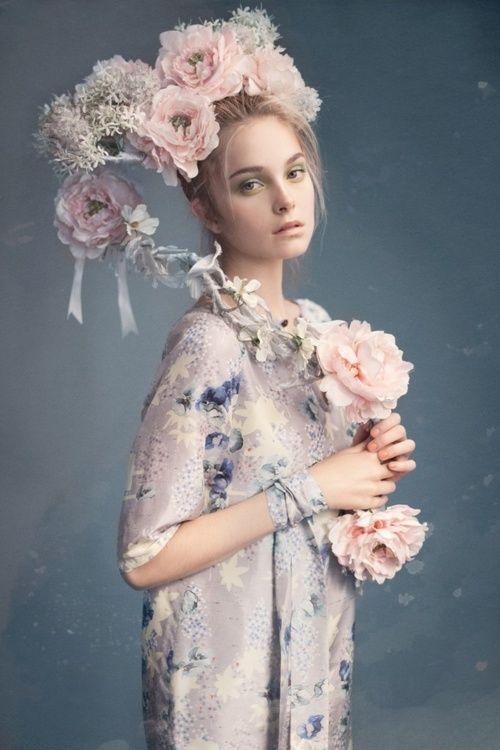 Lara Jade Photography en 2019 Mode florale, Coiffure