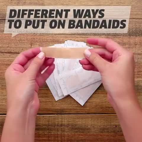 Did you know there's more than one way to put on bandages?! ⠀ ⠀ #lifehacks #hacks #parentinghacks #bandaid #bandaids #booboo #parenting #newbornparents #newparents #rookieparents #toddlerparents #parentingtricks #parentingtips #parenting101 #singleparent #parentlfie